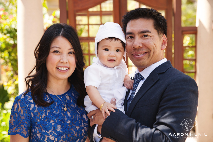 Saint_Gregory_Catholic_Church_Baptism_San_Diego_Photographer_Benjamin_01