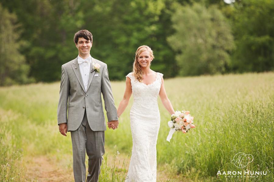 Zukas_Hilltop_Barn_Wedding_Boston_Wedding_Photographer_MA_Liane_Michael_001