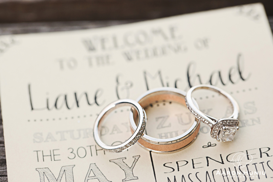 Zukas_Hilltop_Barn_Wedding_Boston_Wedding_Photographer_MA_Liane_Michael_002