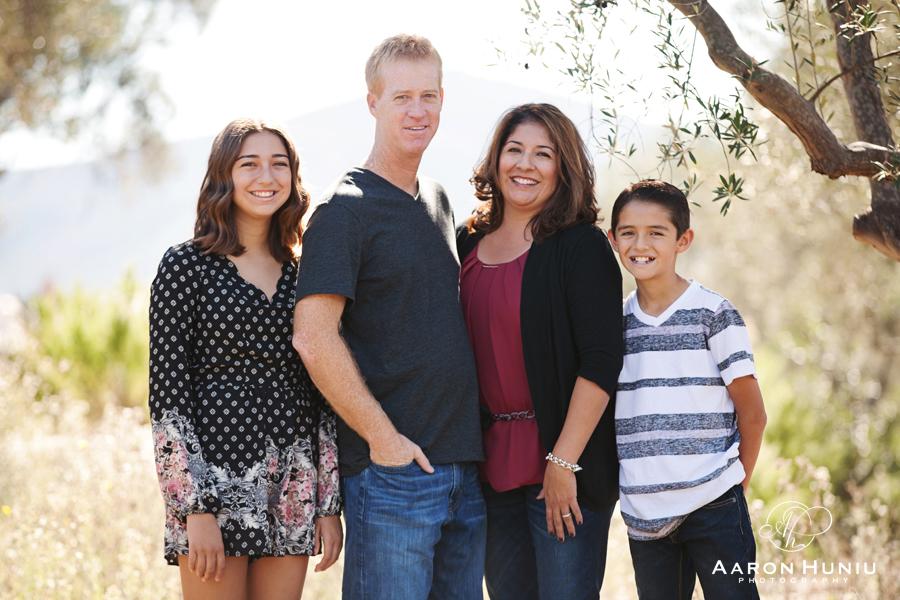 Del_Sur_Family_Portrait_Photographer_San_Diego_Church_001