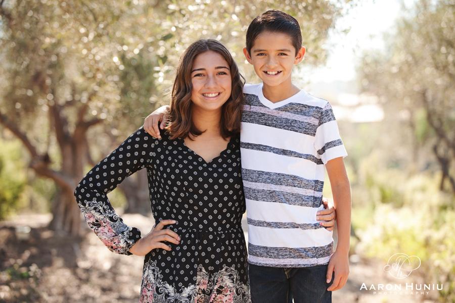 Del_Sur_Family_Portrait_Photographer_San_Diego_Church_003